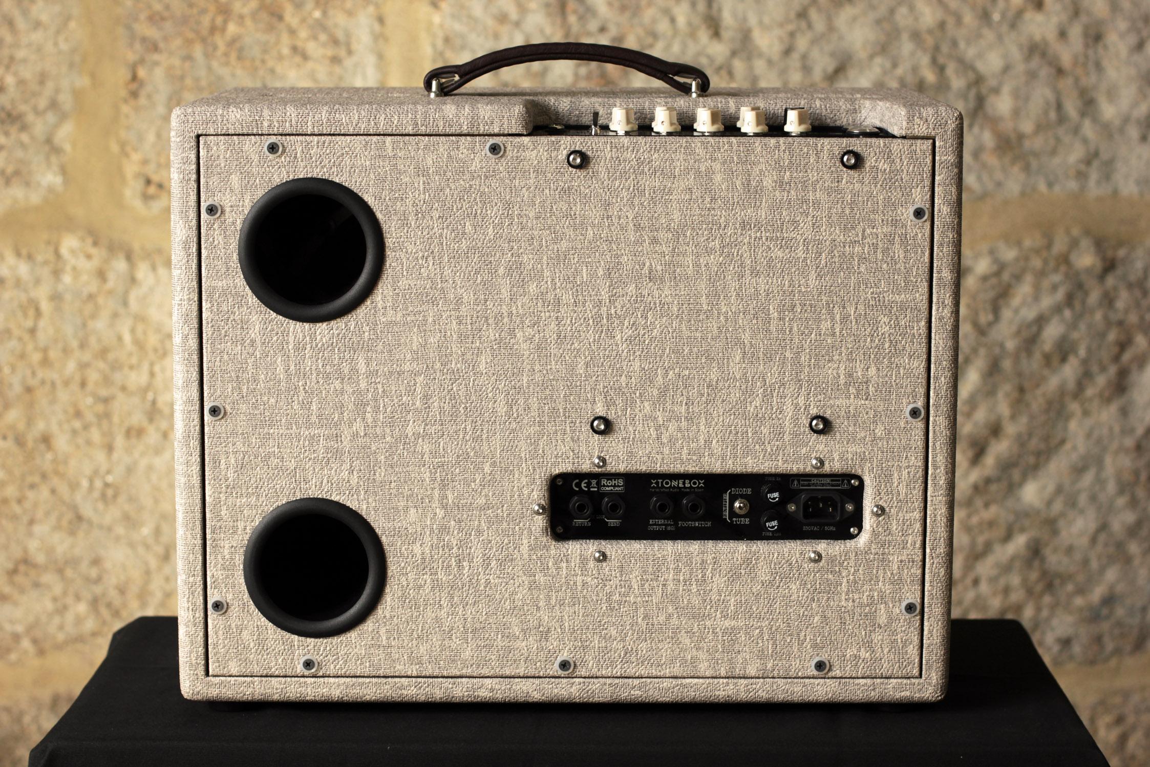 Guitar tube amp, guitar amp, tube amp, valve amp, reverb, combo amp, tube combo, fender, 18